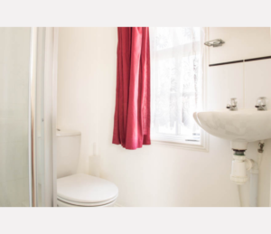 Apartment 5 - Bathroom