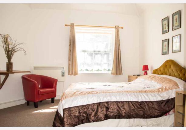 Apartment 5 - Bedroom