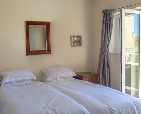 Dulcima - Main bedroom