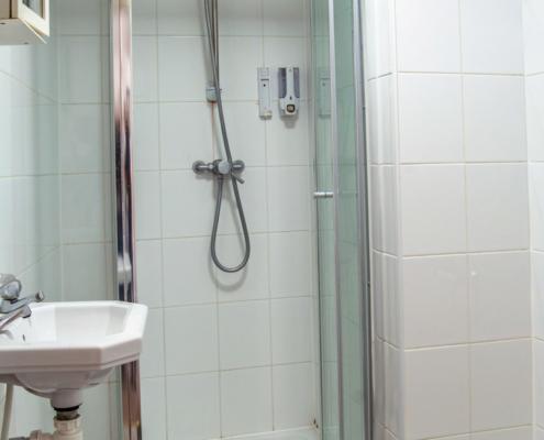 Suite 23 - Bathroom