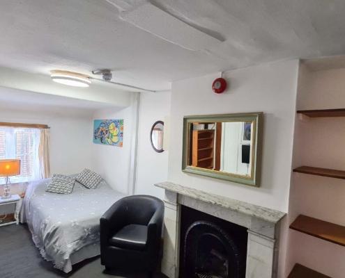 Studio 8 bedroom