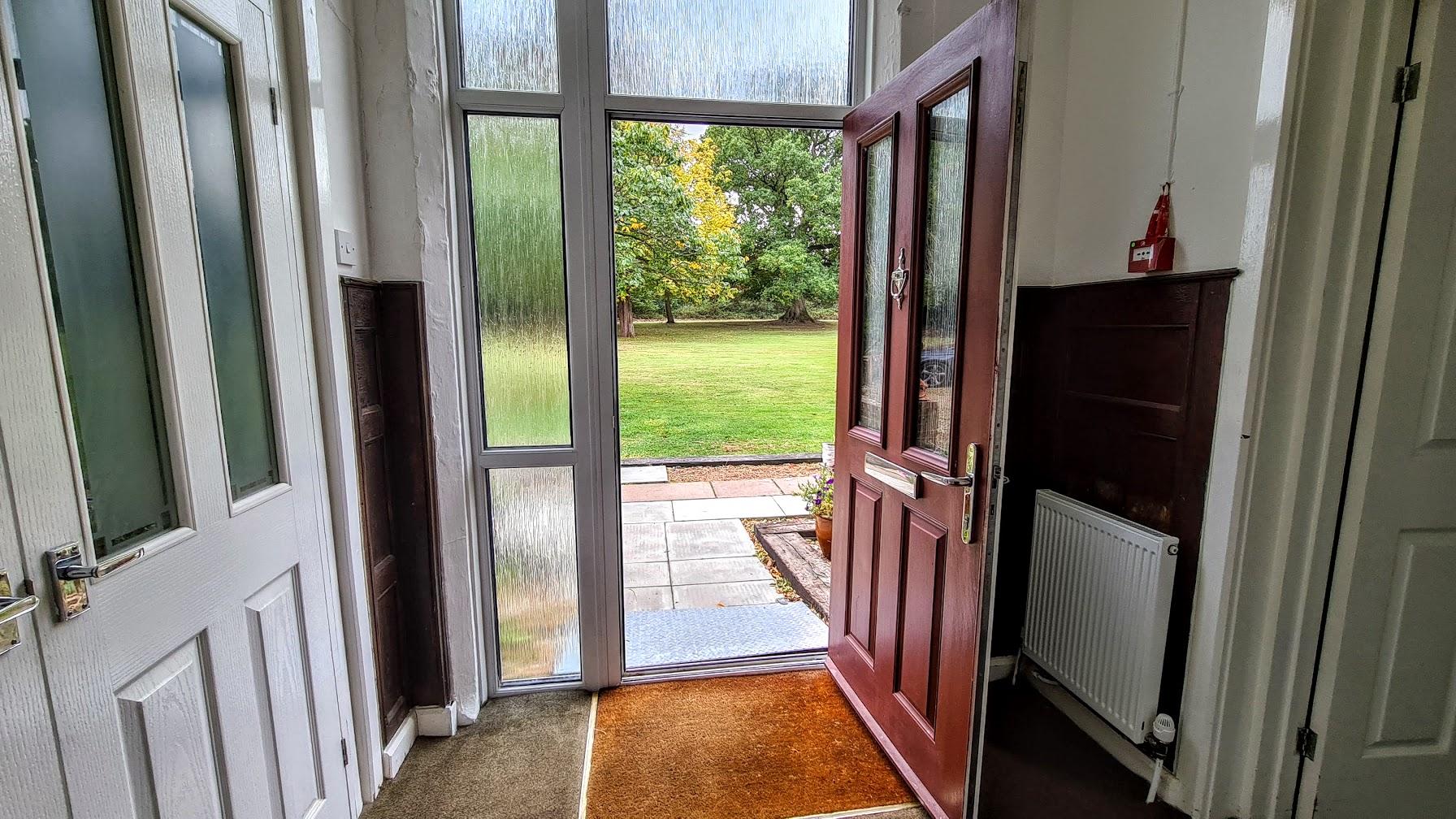 apartment-20-entrance