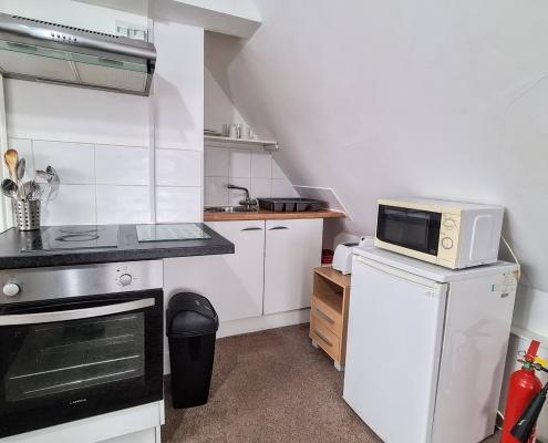 Studio-12-kitchenette